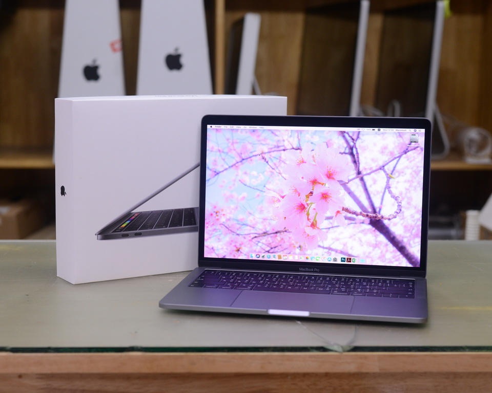 MacBook Pro 13-inch 4-Core i5 1.4GHz. RAM 8GB. SSD 128GB ...